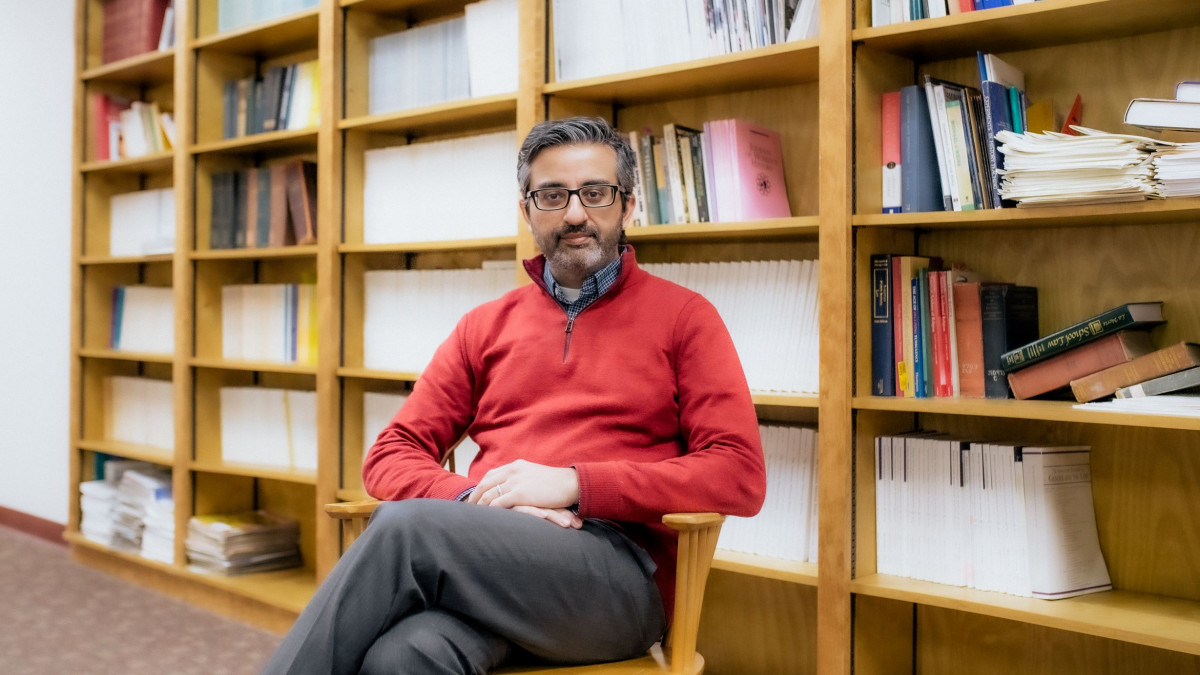 DePauw prof is first scholar to study ancient and ignored Islamic medical commentaries
